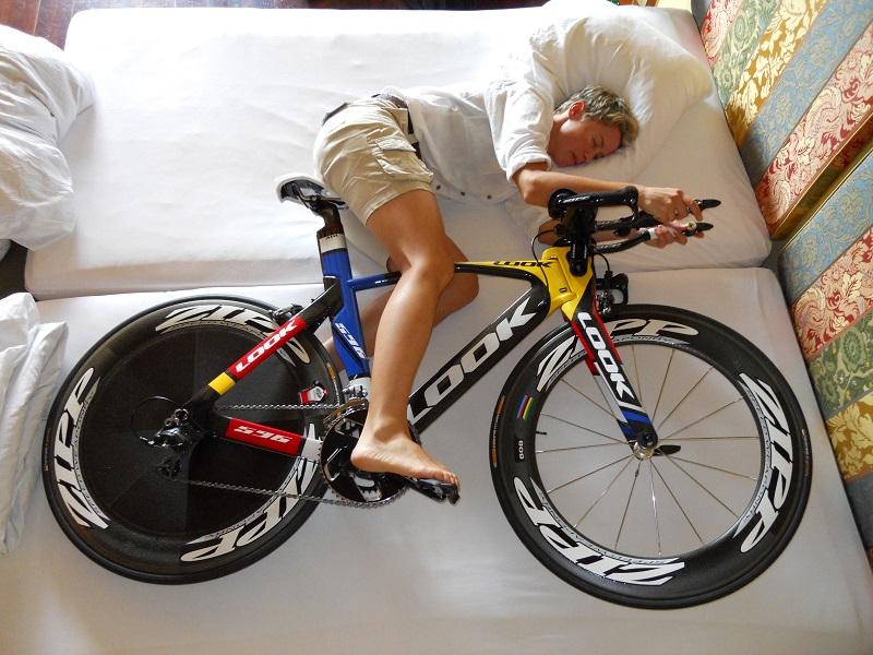 Ciclista a riposo