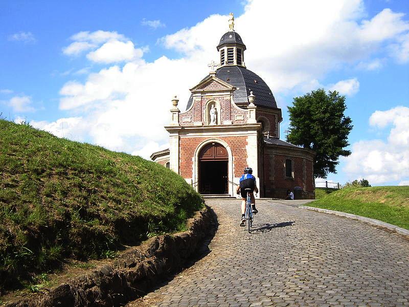 chiesa nelle Ardenne fiamminghe