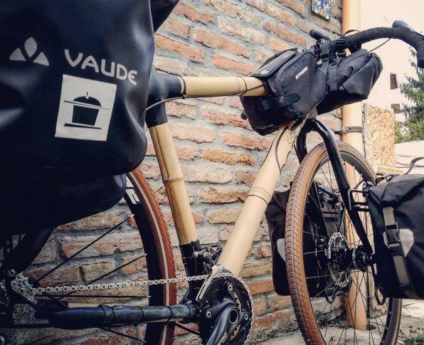 bici da viaggio in bambù