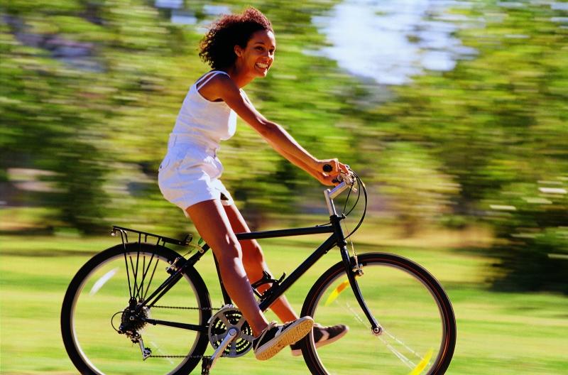 ragazza in bici