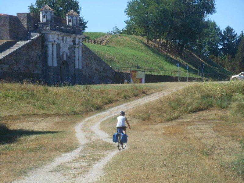 via postumia in bici