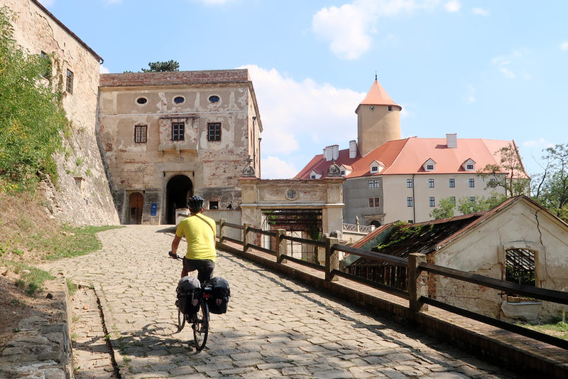 castello-veveri-moravia