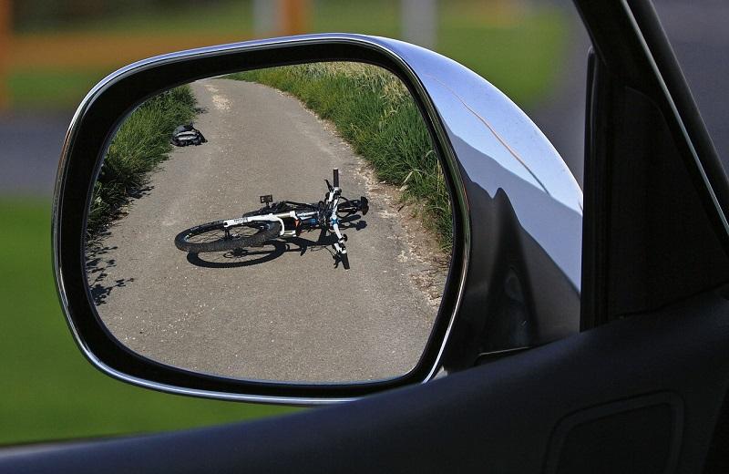 Investimento ciclista automobilista