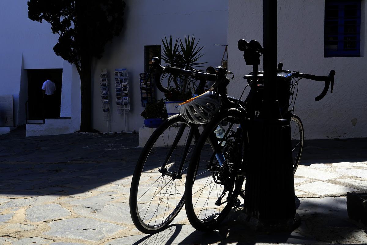 costa-brava-casa-dali-in-bicicletta