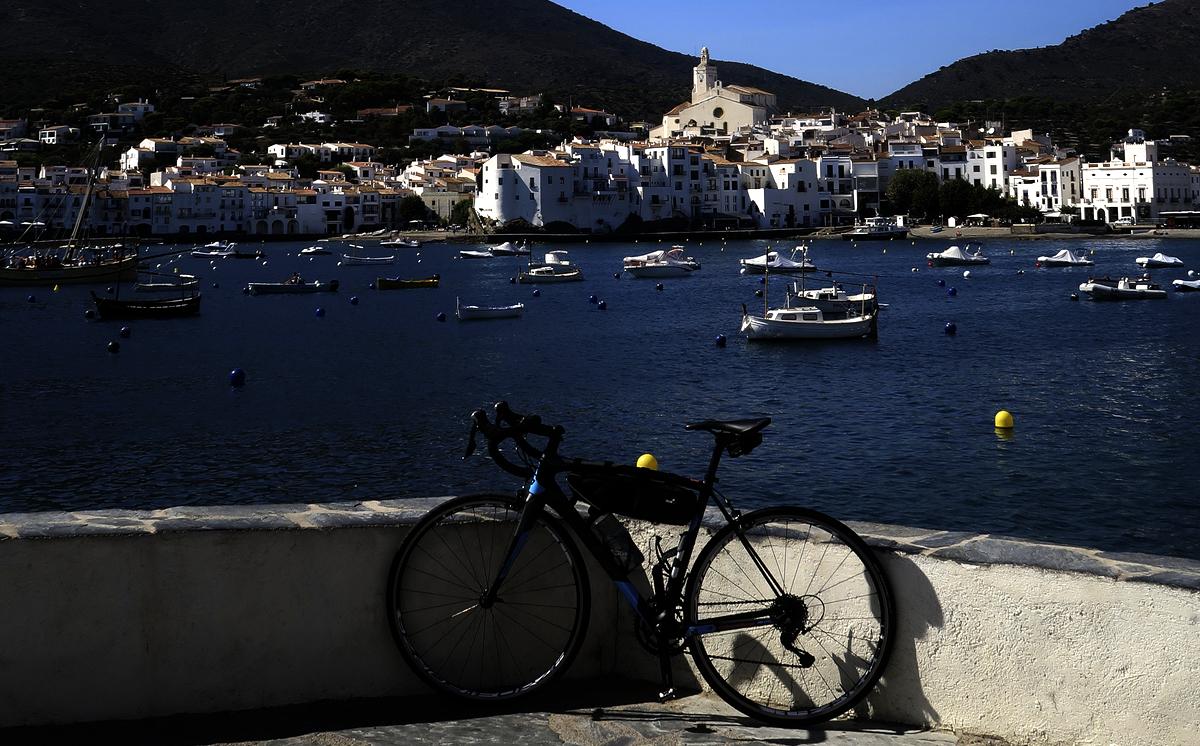 cadaques-costa-brava-in-bicicletta