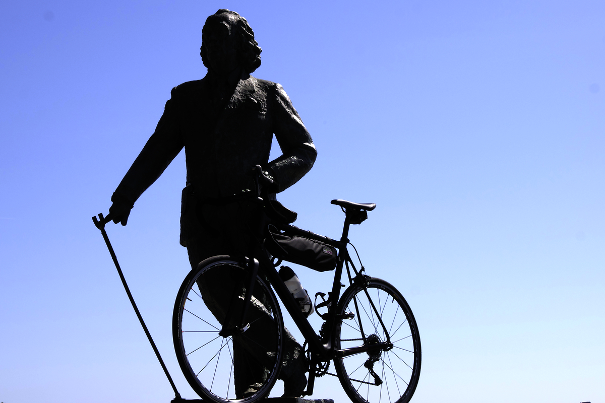 salvador-dali-bicicletta-catalogna