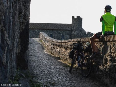 etruschi in bici