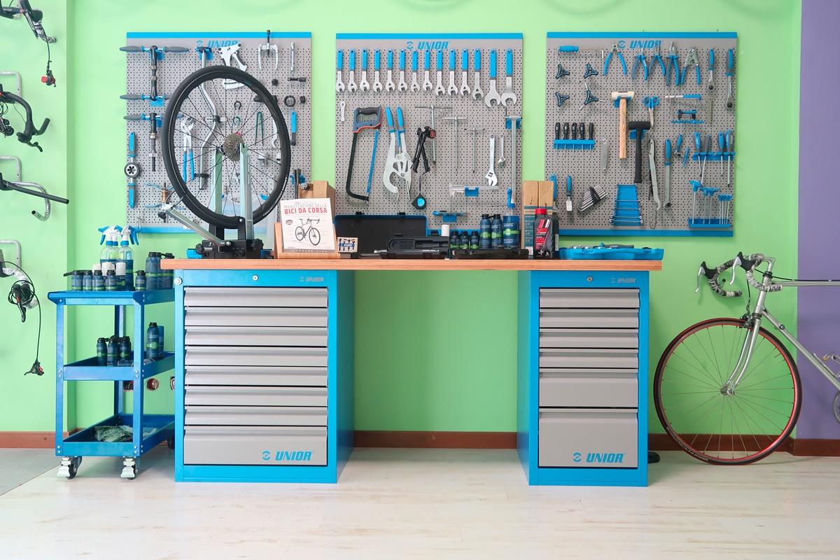 La nostra officina di biciclette