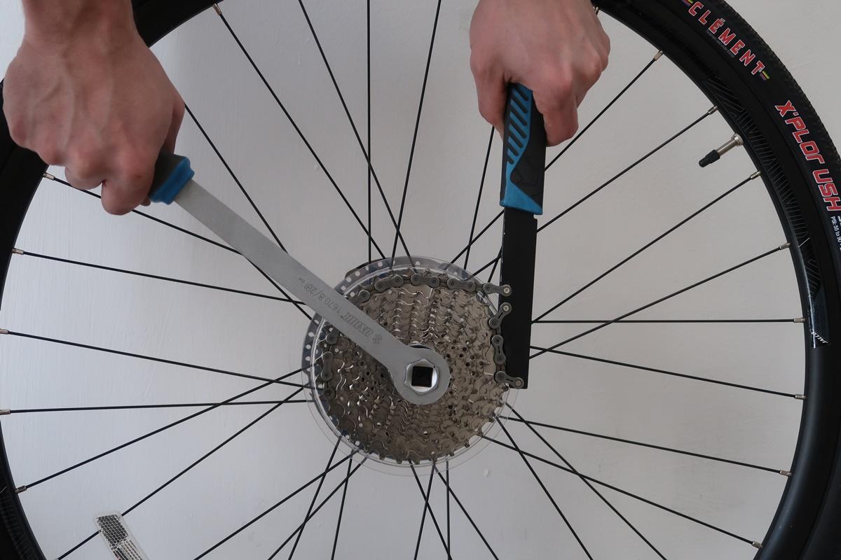 smonto il pacco pignoni della bici