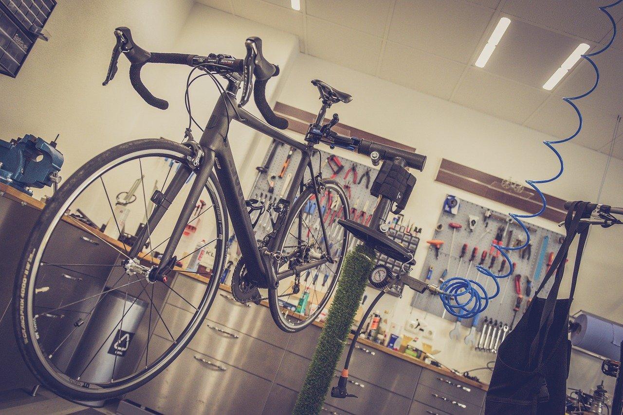 Negozio di meccanico bici, by Pexels da Pixabay