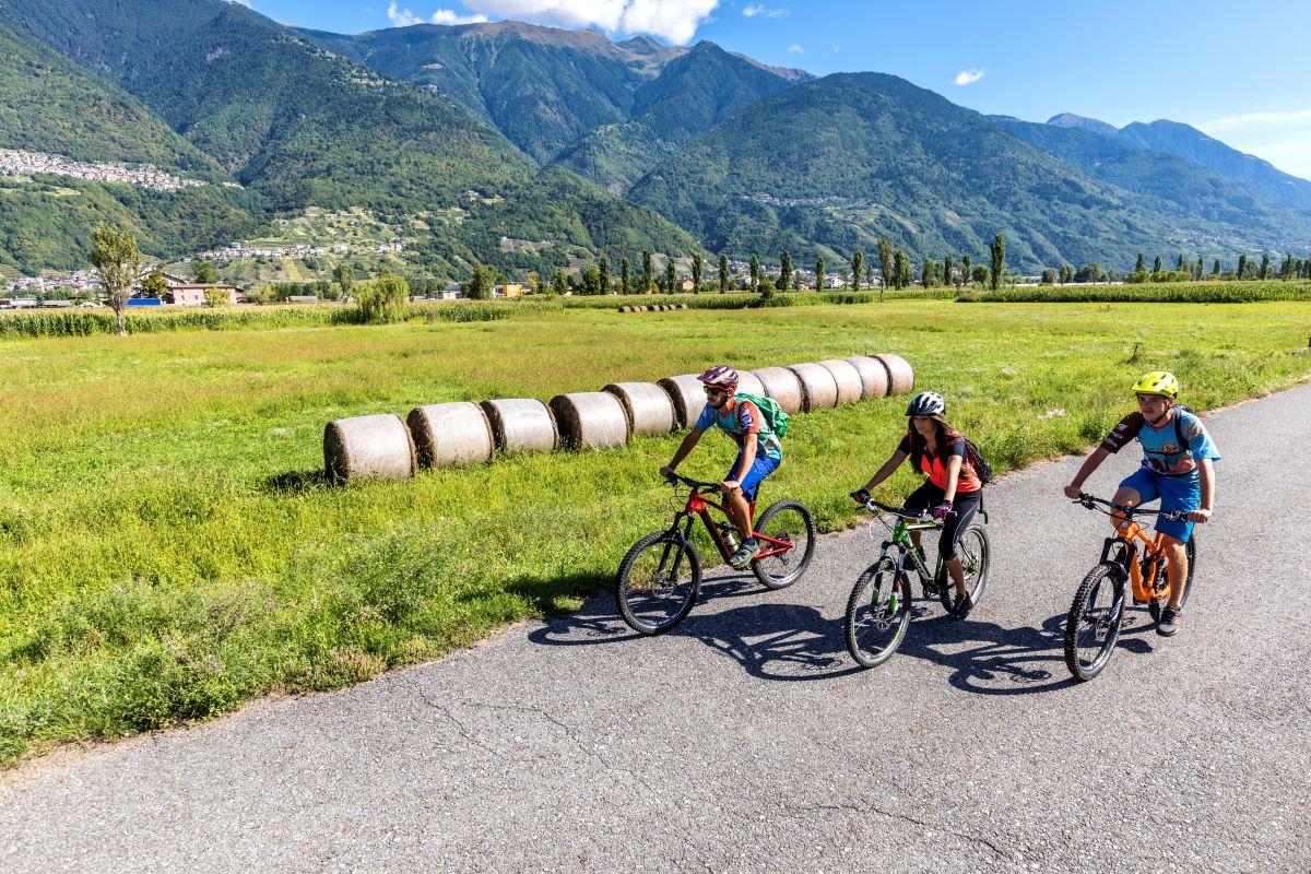 Valtellina in bici ph. Roberto Ganassa - ClickAlps