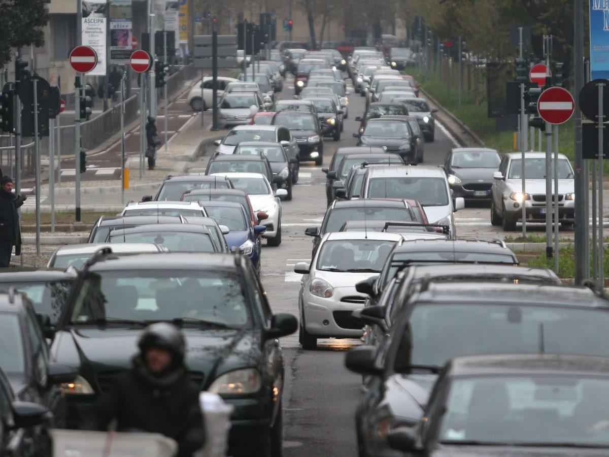 Traffico sulle strade di Milano