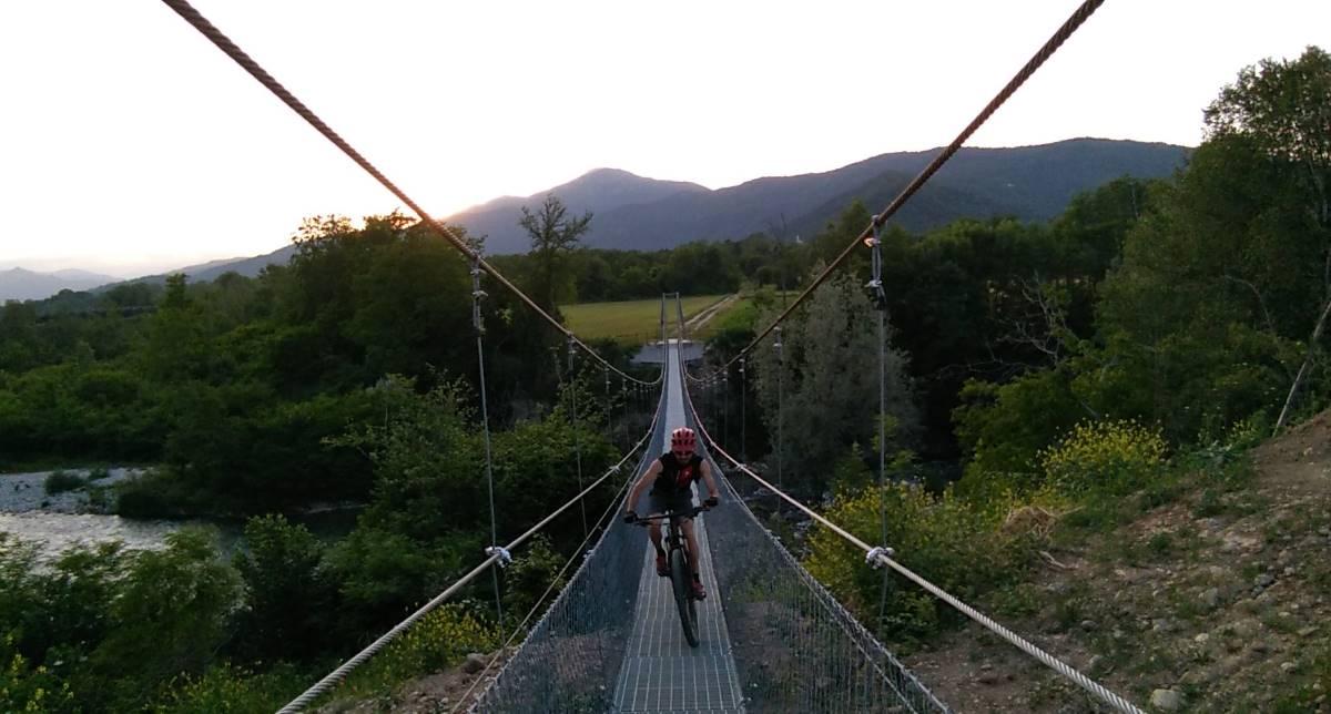 Passerella sul Maira Terres Monviso Piemonte