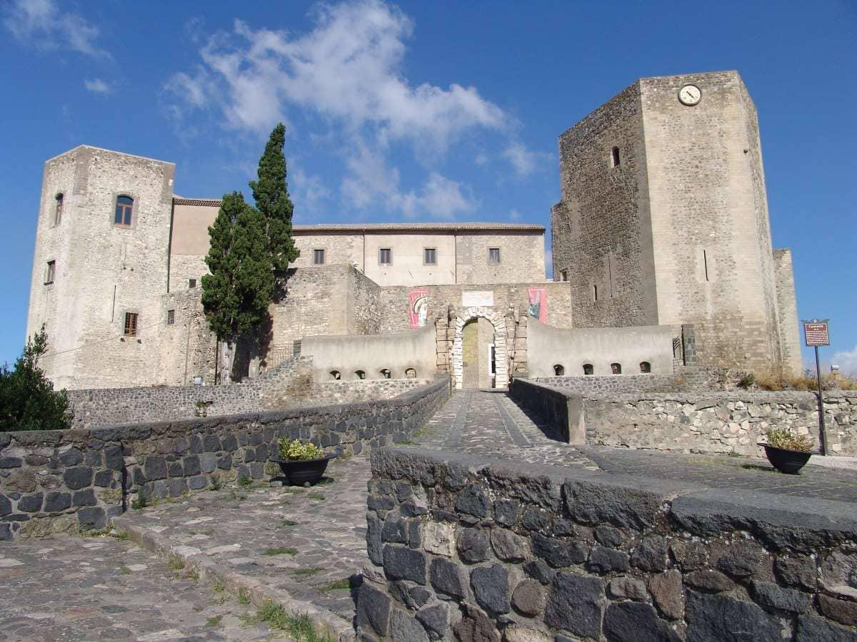 Castello di Melfi crediti Basilicata Turistica/Flickr