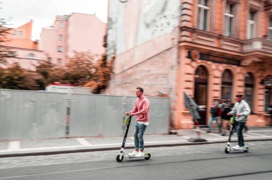 Monopattini monopattino escooter mobilità sostenibile
