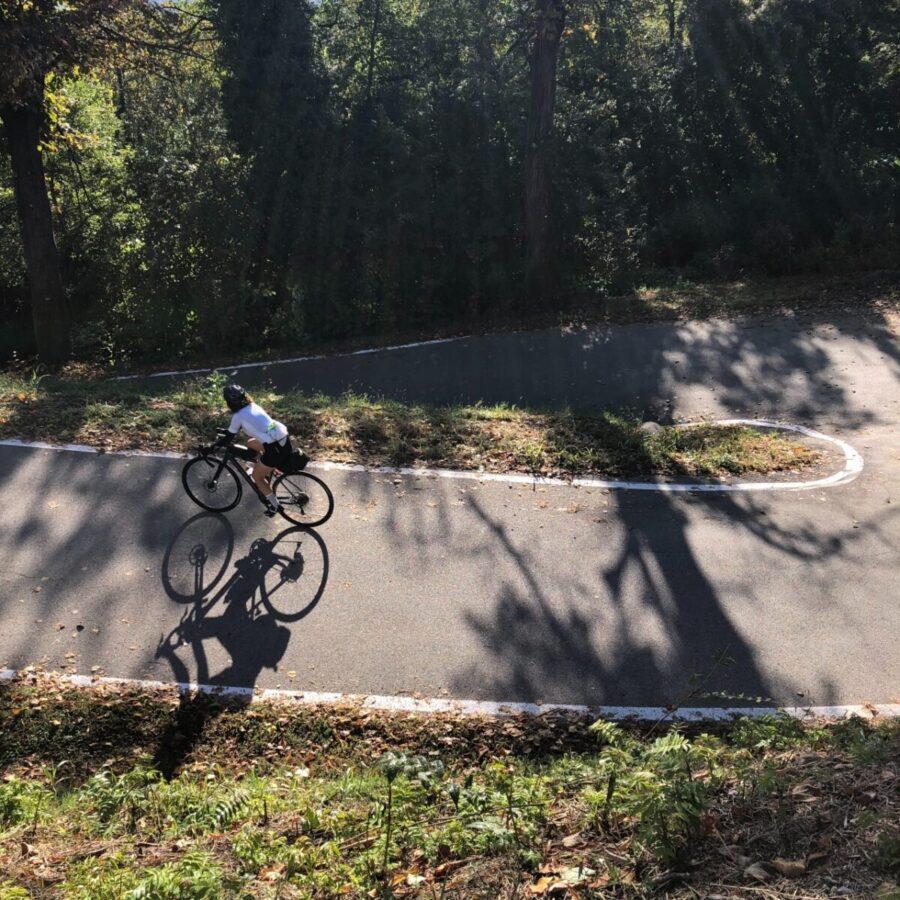 Donna in bicicletta San Sebastiano Po