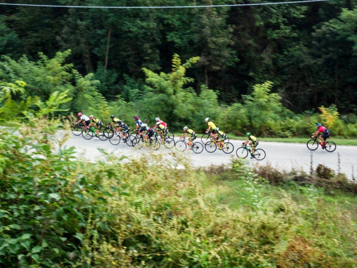 Donne che pedalano - credits foto Paolo Ciaberta