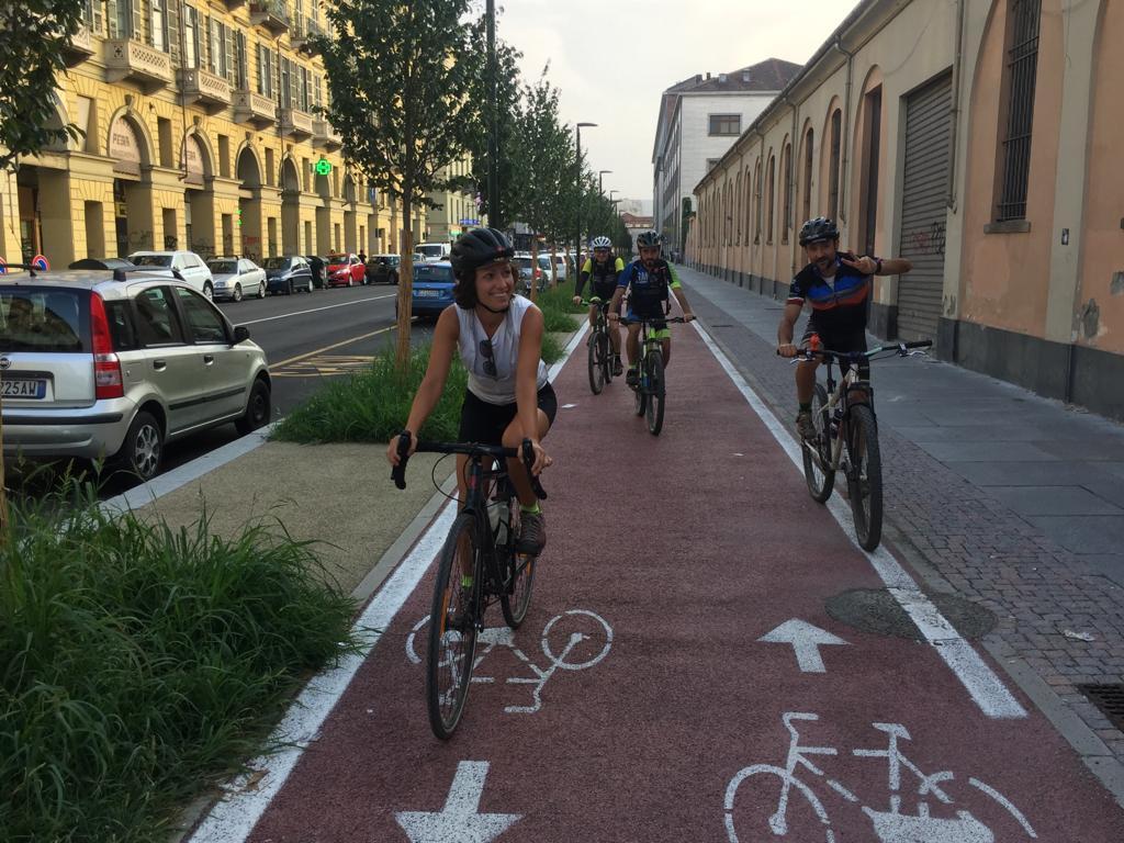 Pedalata mista sulla ciclabile di Via Nizza a Torino