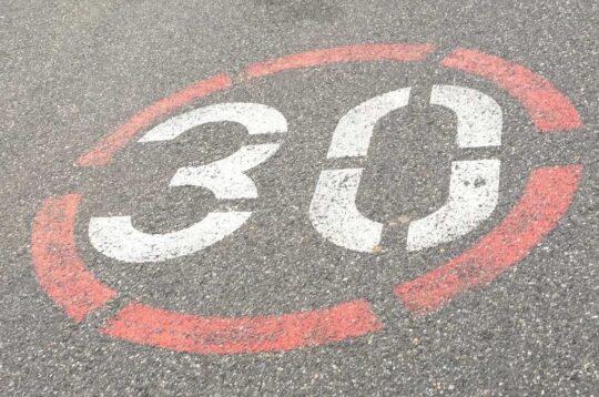 Limite di velocità 30 km/h