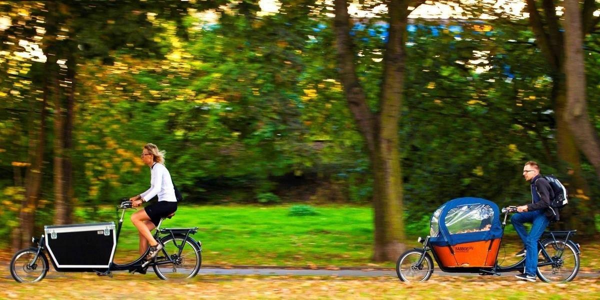 Cargo bike famiglie in bicicletta
