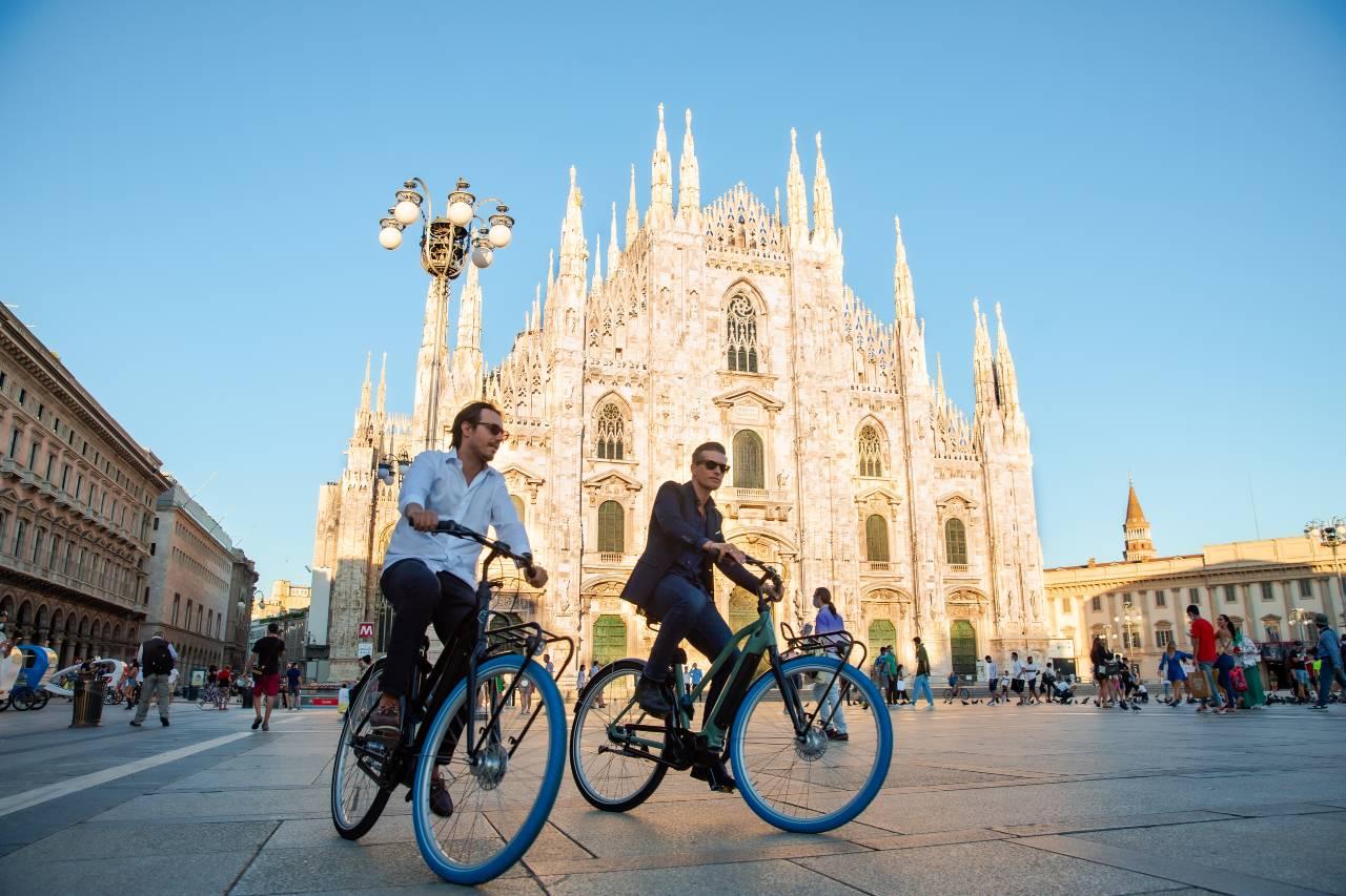 Swapfiets in piazza Duomo a Milano