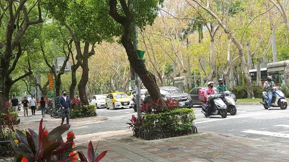 Verde pubblico sulle strade di Taipei