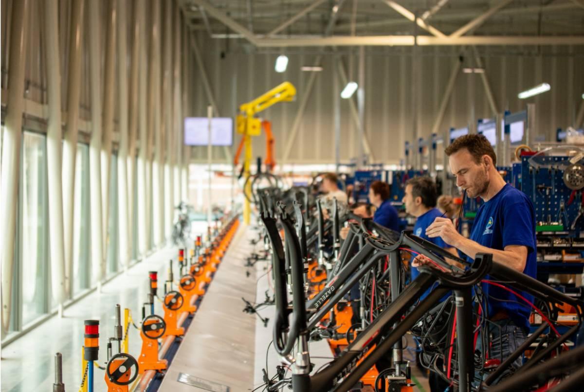 Produzione e vendita di bici in Europa: settore in costante crescita, il traino delle ebike che già nel 2024 raggiungeranno i 10 milioni di unità vendute all'anno