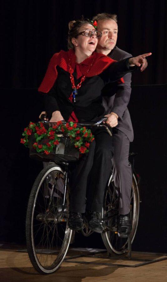 Federica Molteni bici teatro