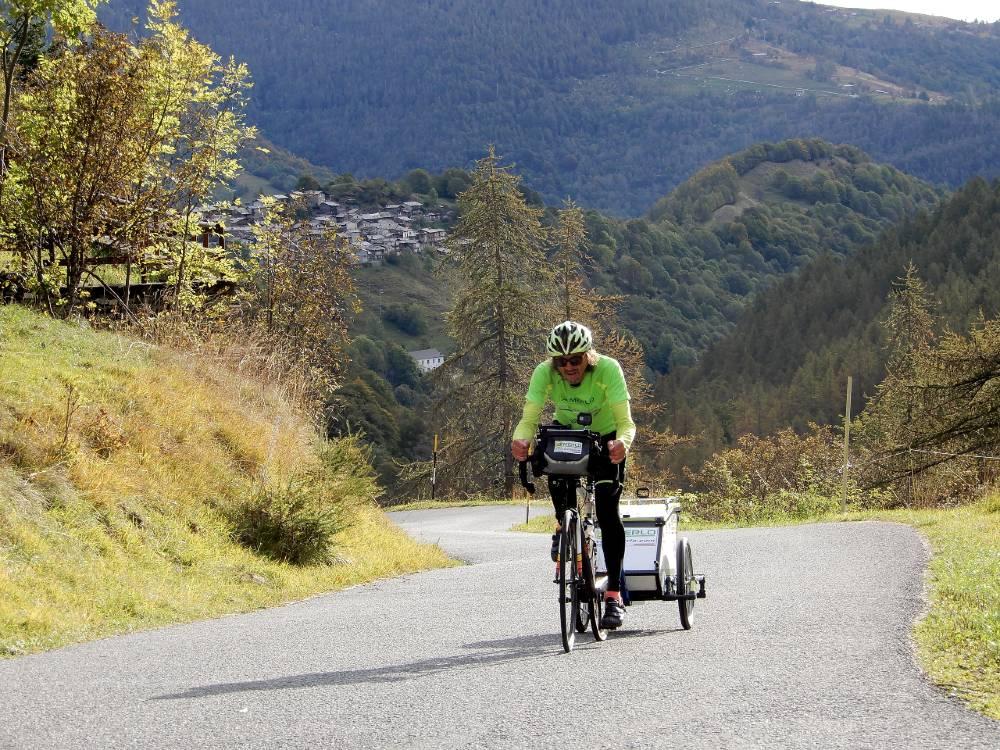 Giovanni Panzera in bici attraverso l'Italia pedalando sugli Appennini