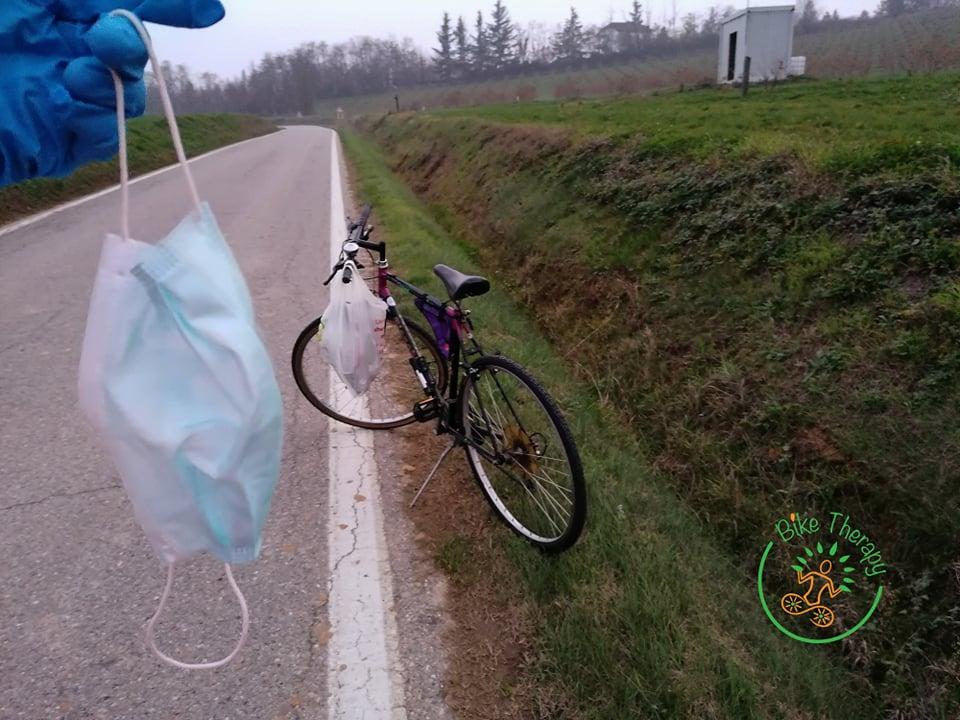 mascherina rifiuti bici