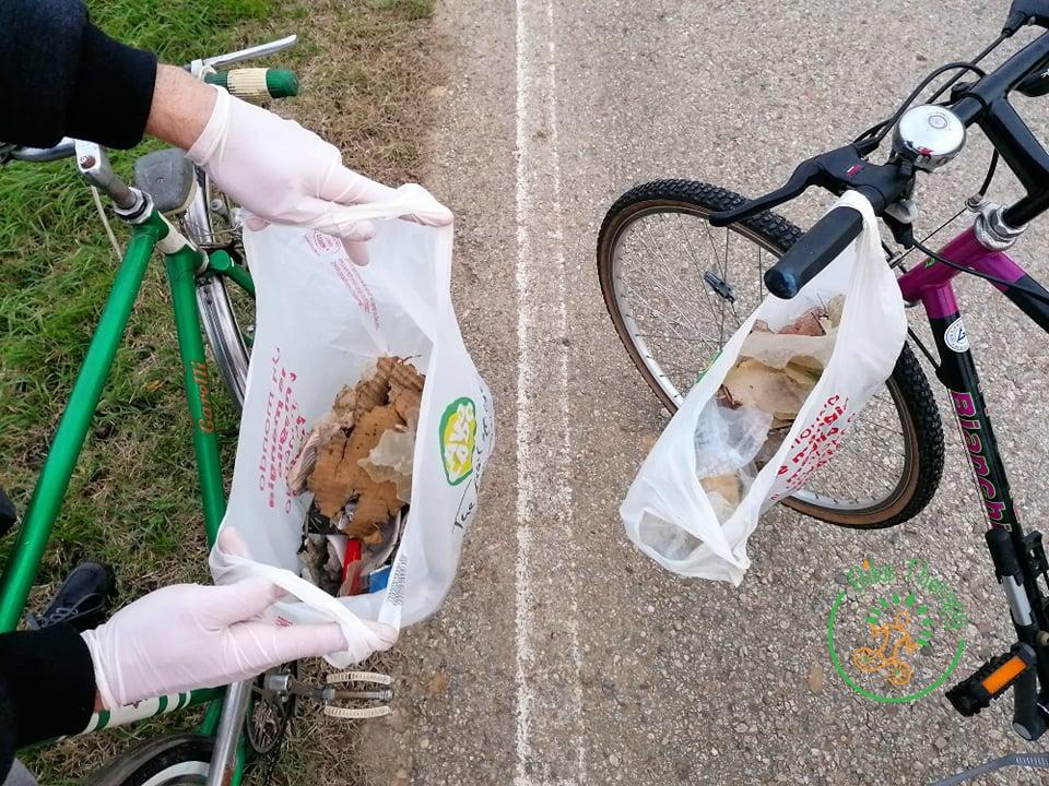Raccolta rifiuti in bici