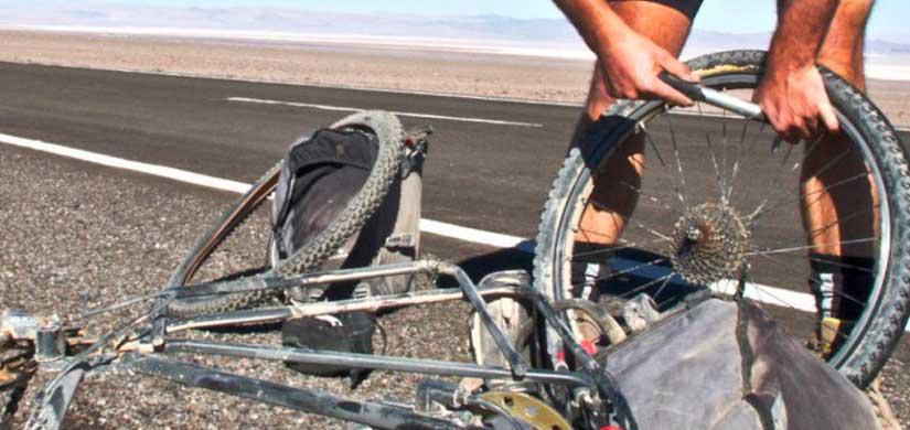 Corso di meccanica di emergenza per biciclette
