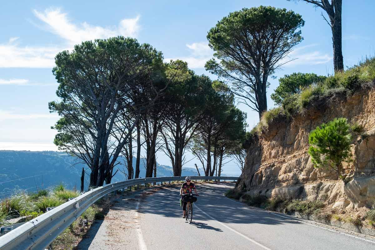 Aspromonte in bici si pedala su strada