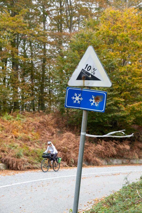 Ciclovia Parchi Calabria Parco Regionale delle Serre salita in bici