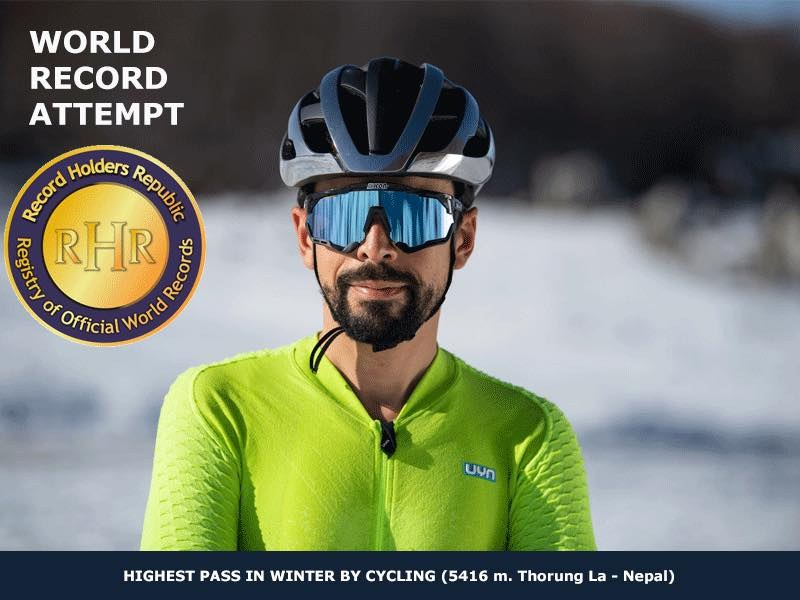 Omar Di Felice Everest Himalaya ultracycling man