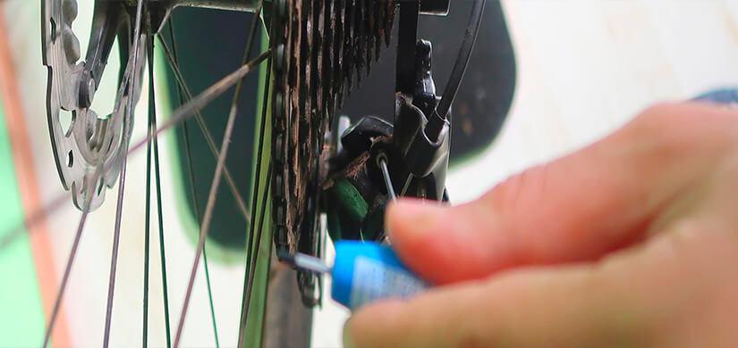 Corso in presenza di meccanica per biciclette Base
