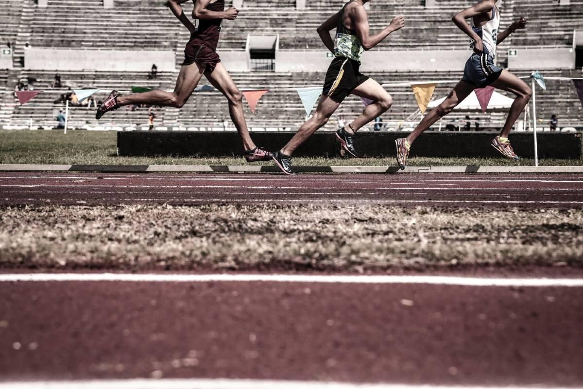 Allenamento alta intensità triathlon running