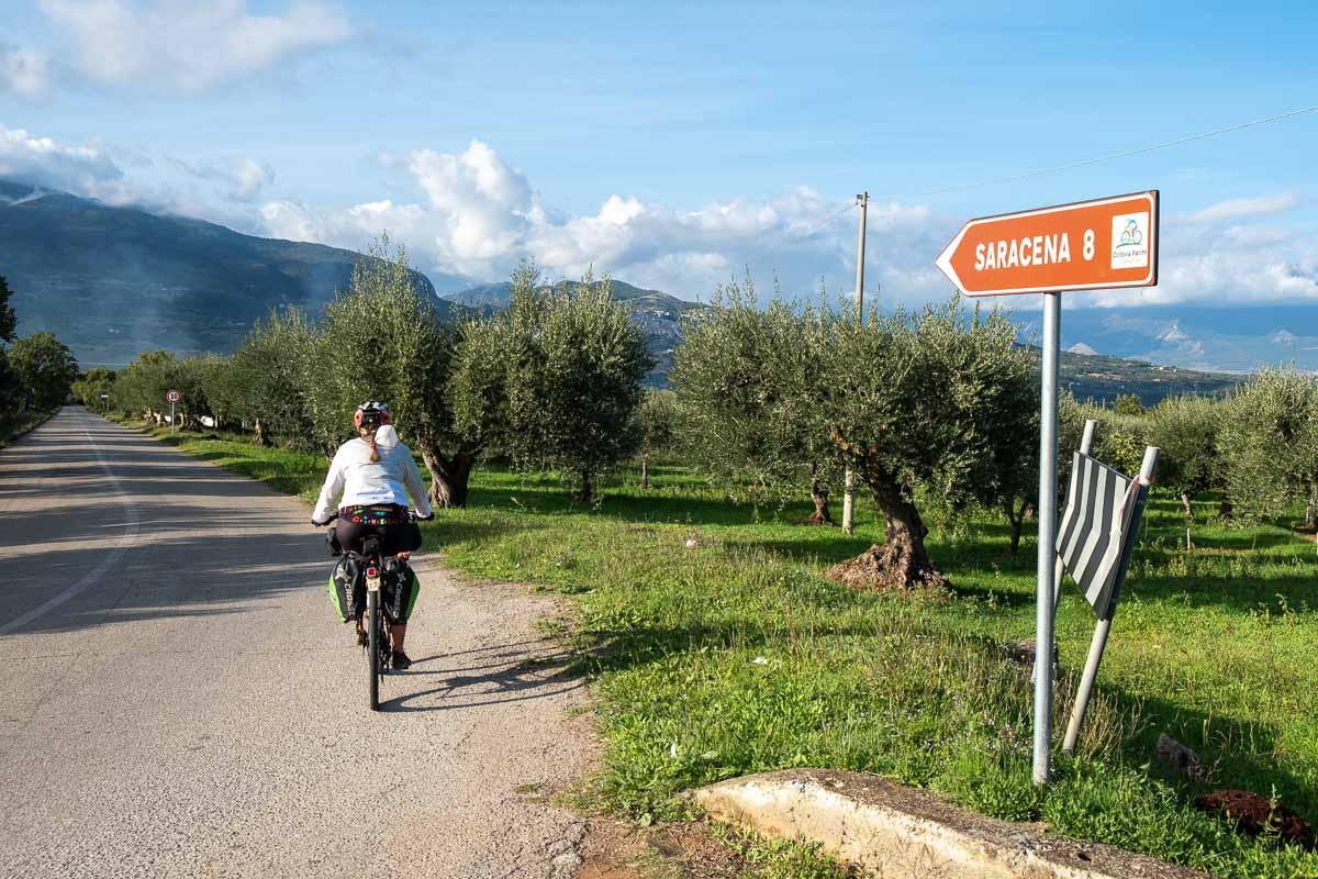 Indicazione per Saracena Ciclovia dei Parchi della Calabria
