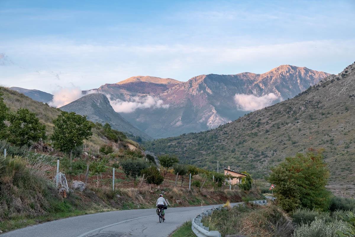 Strada in bici Pollino