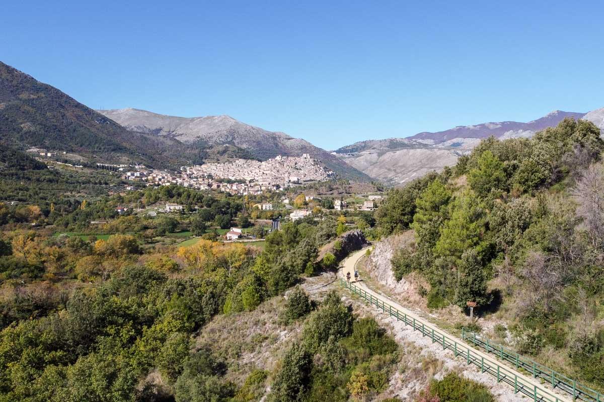 Pollino in bicicletta lunga la Ciclovia dei Parchi della Calabria