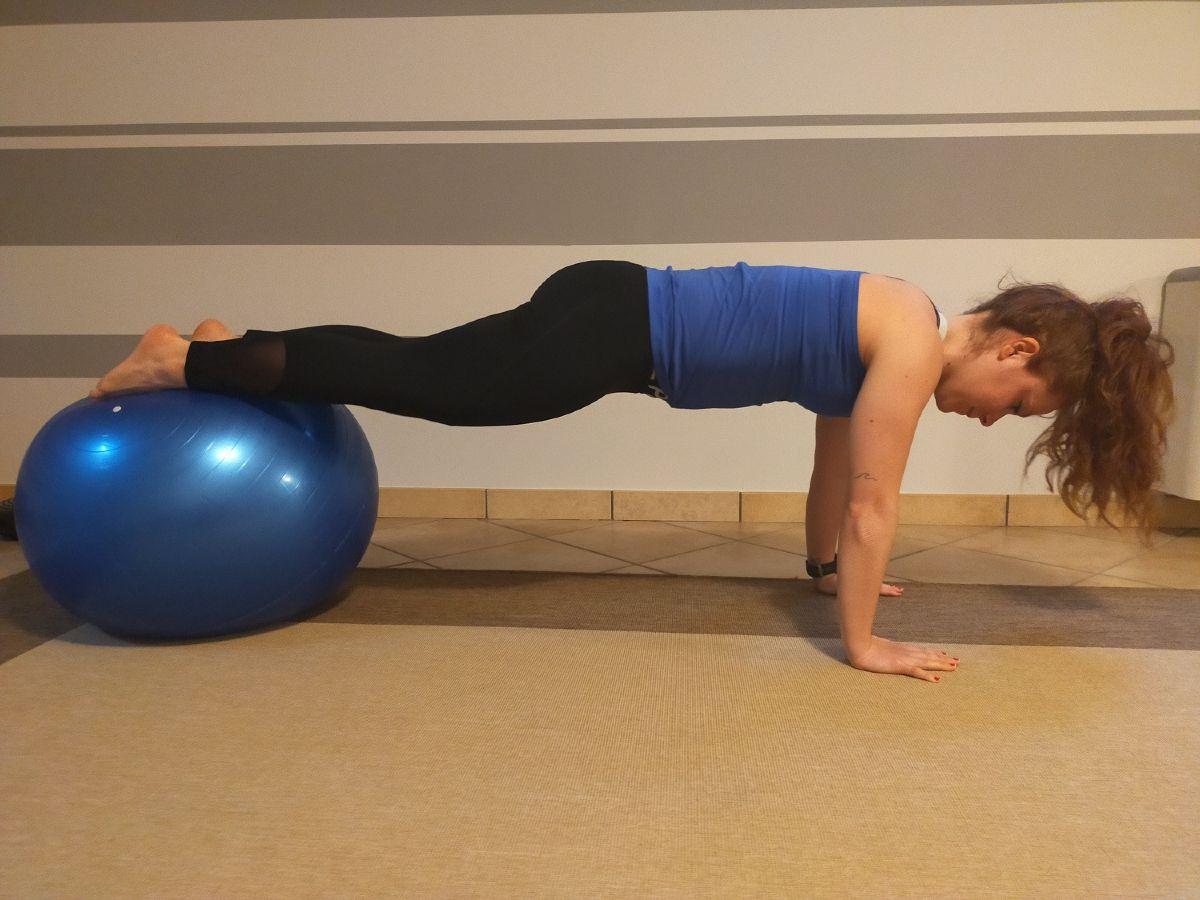 core training triathlon  plank fitball