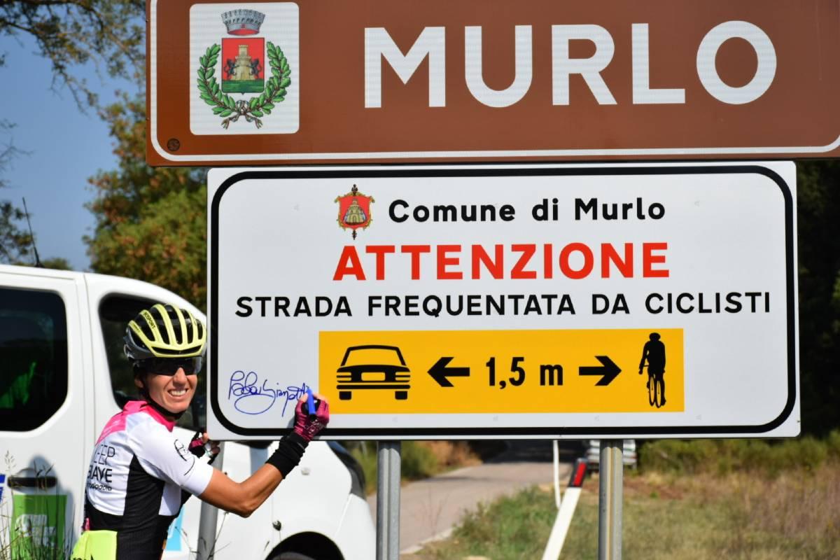 Paola Gianotti sicurezza stradale ciclisti cartello un metro e mezzo