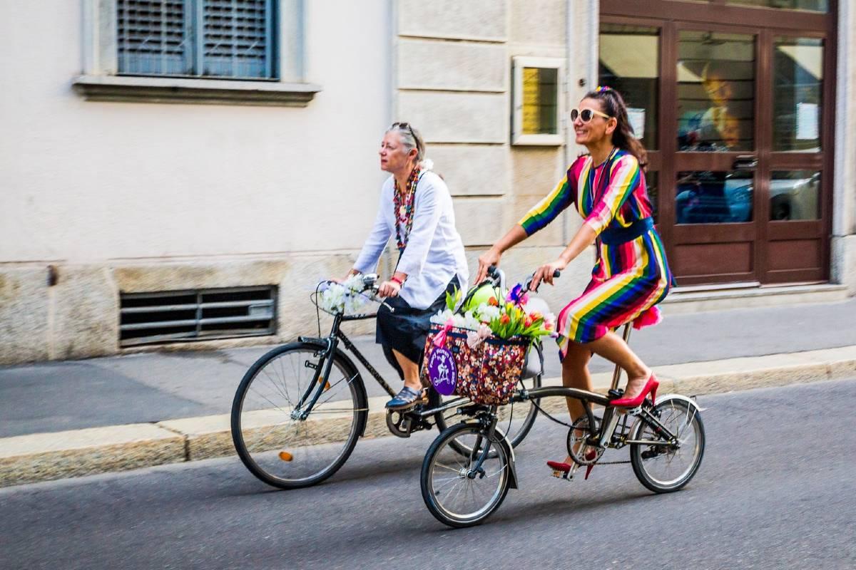 Guia Biscaro Pinar Pinzuti fancy women bike ride