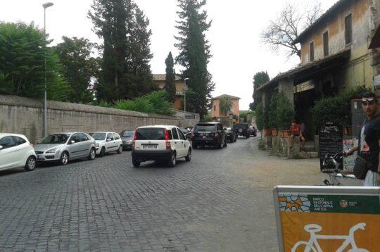 Traffico Appia antica Roma