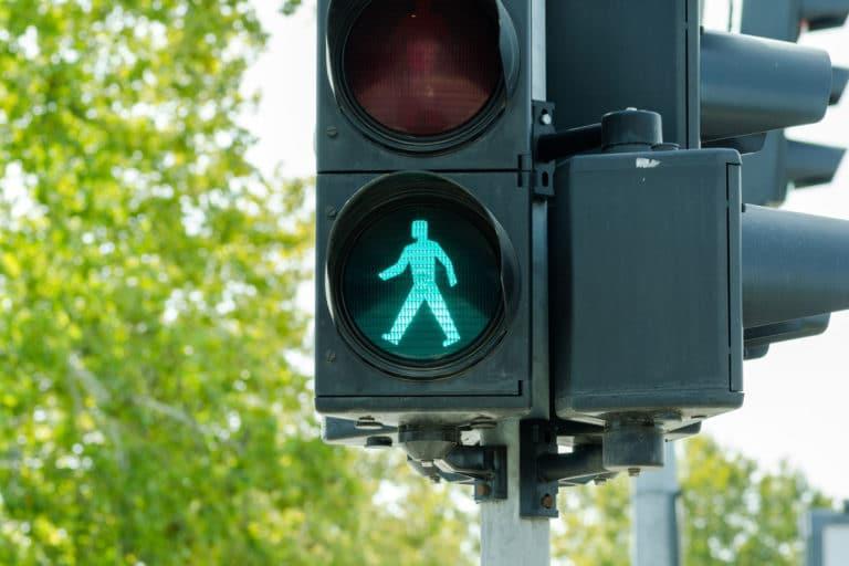 Londra: Semaforo pedonale verde continuato