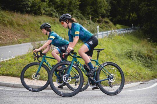 Ciclismo femminile lago di Garda pedalata di 100 chilometri per la Canyon Italia W100