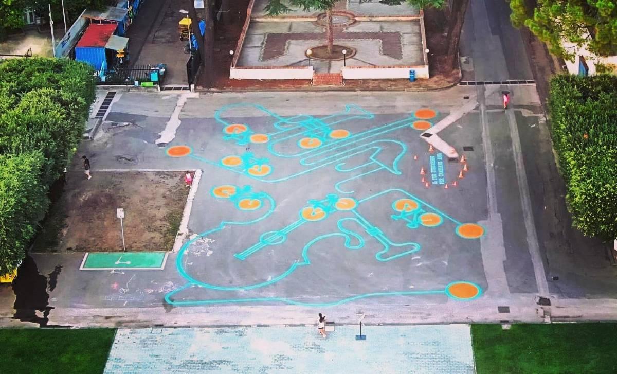 Il tuo strumento per cambiare aria opera di street art di Antonio Tempesta per il Napoli Bike Festival