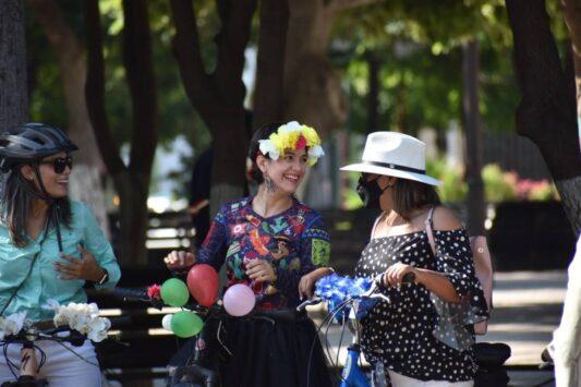 hermosillo fancy women bike ride