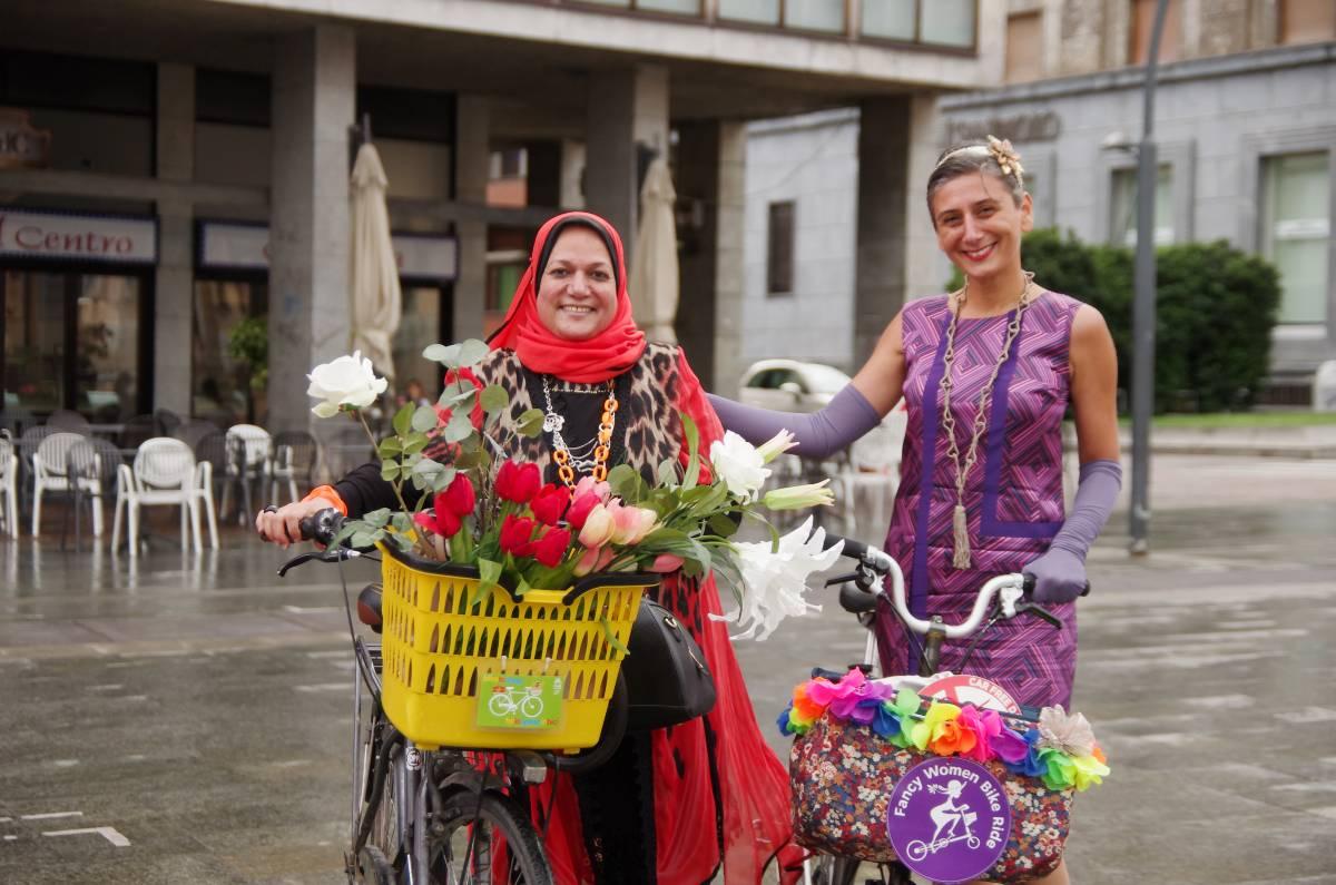 monza fancy women bike ride